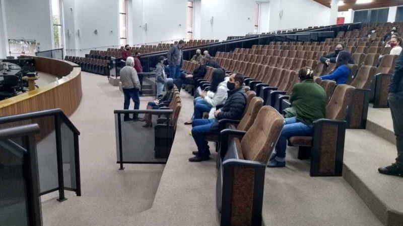Vereadores e servidores da Câmara fazem teste de covid-19