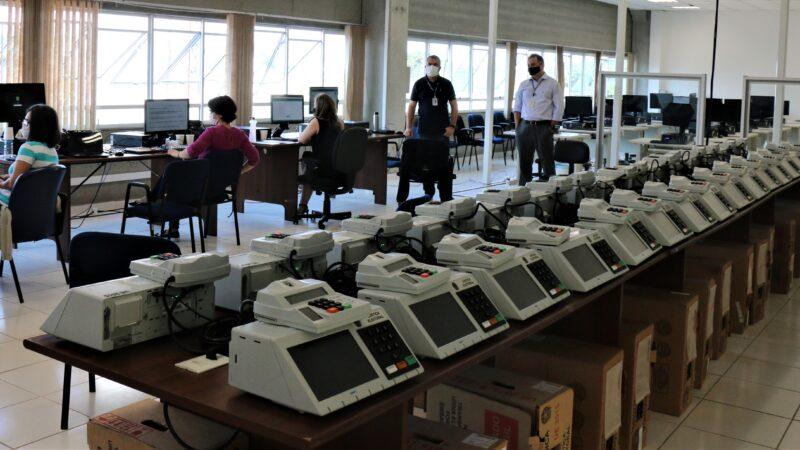 Palmeira e Tibagi preparam urnas para votação