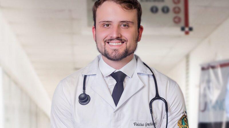 Com retorno de Vinicius Grachinski ao HU, UEPG ressalta papel dos médicos na pandemia