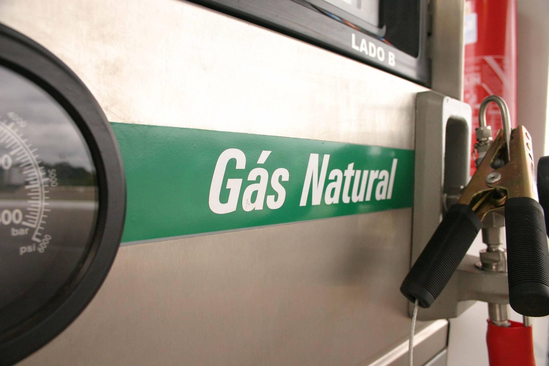 Gás natural mais barato eleva consumo de GNV no Paraná