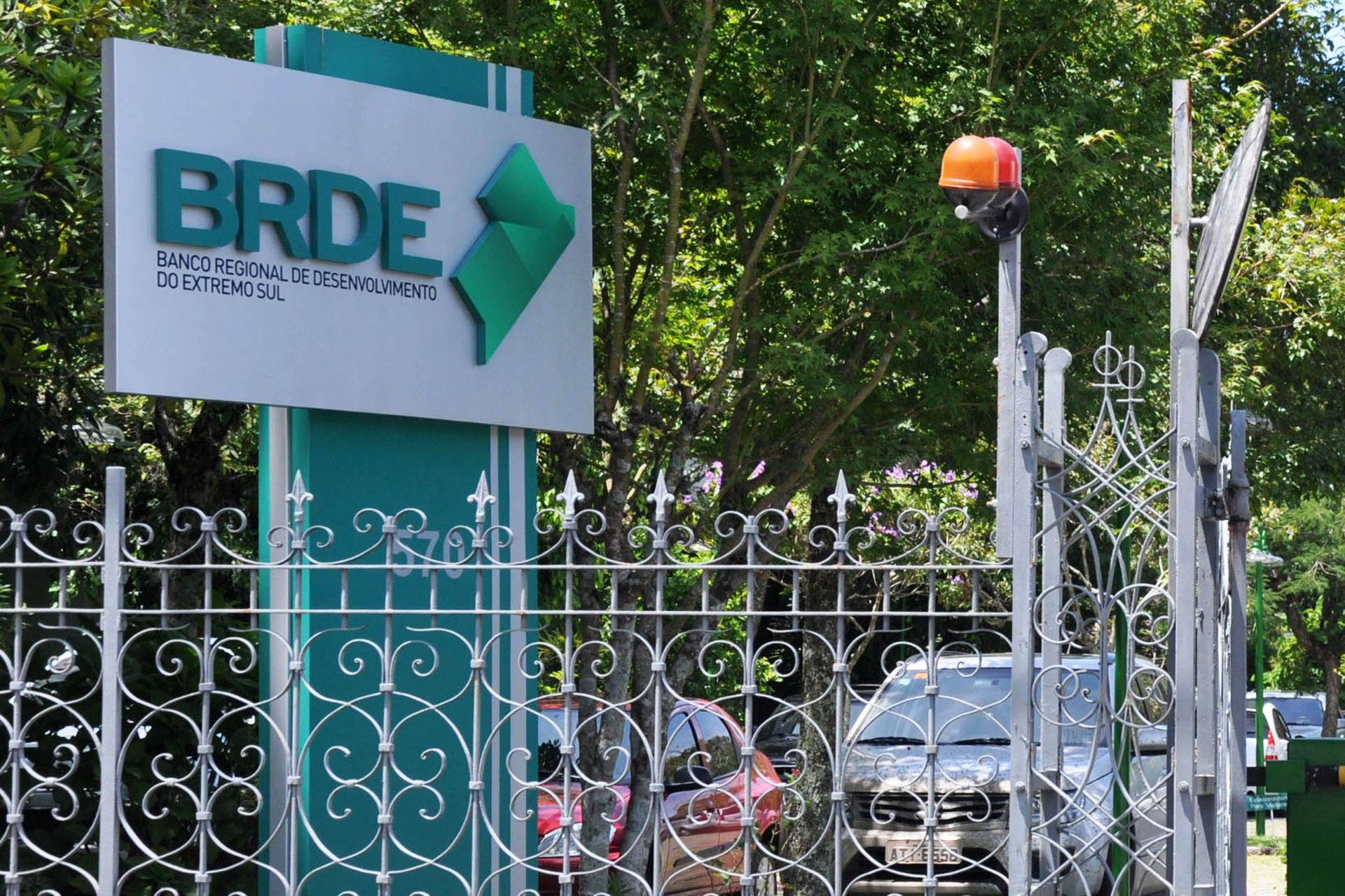 Com o Estado, BRDE estimula negócios inovadores no Paraná