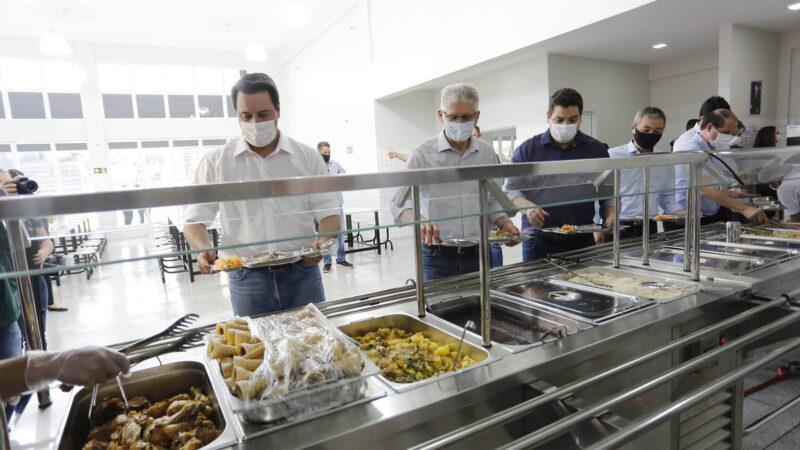 Governo inaugura novo restaurante popular em bairro de Cascavel