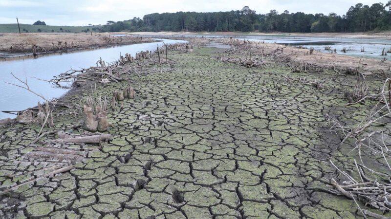 Economia de água cai e aumenta risco de rodízio mais severo