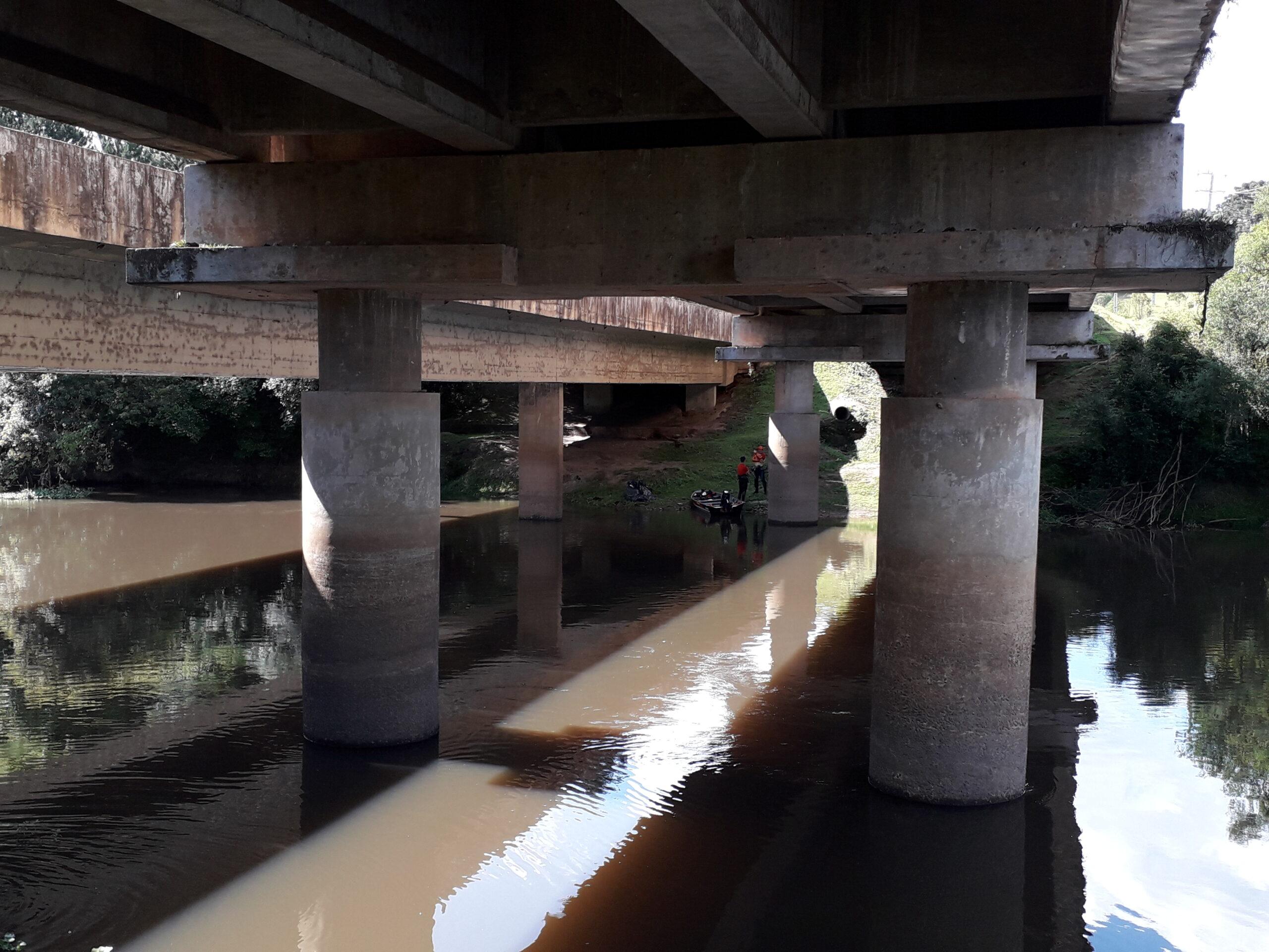 Bombeiros localizam corpo de jovem que desapareceu no rio Iapó