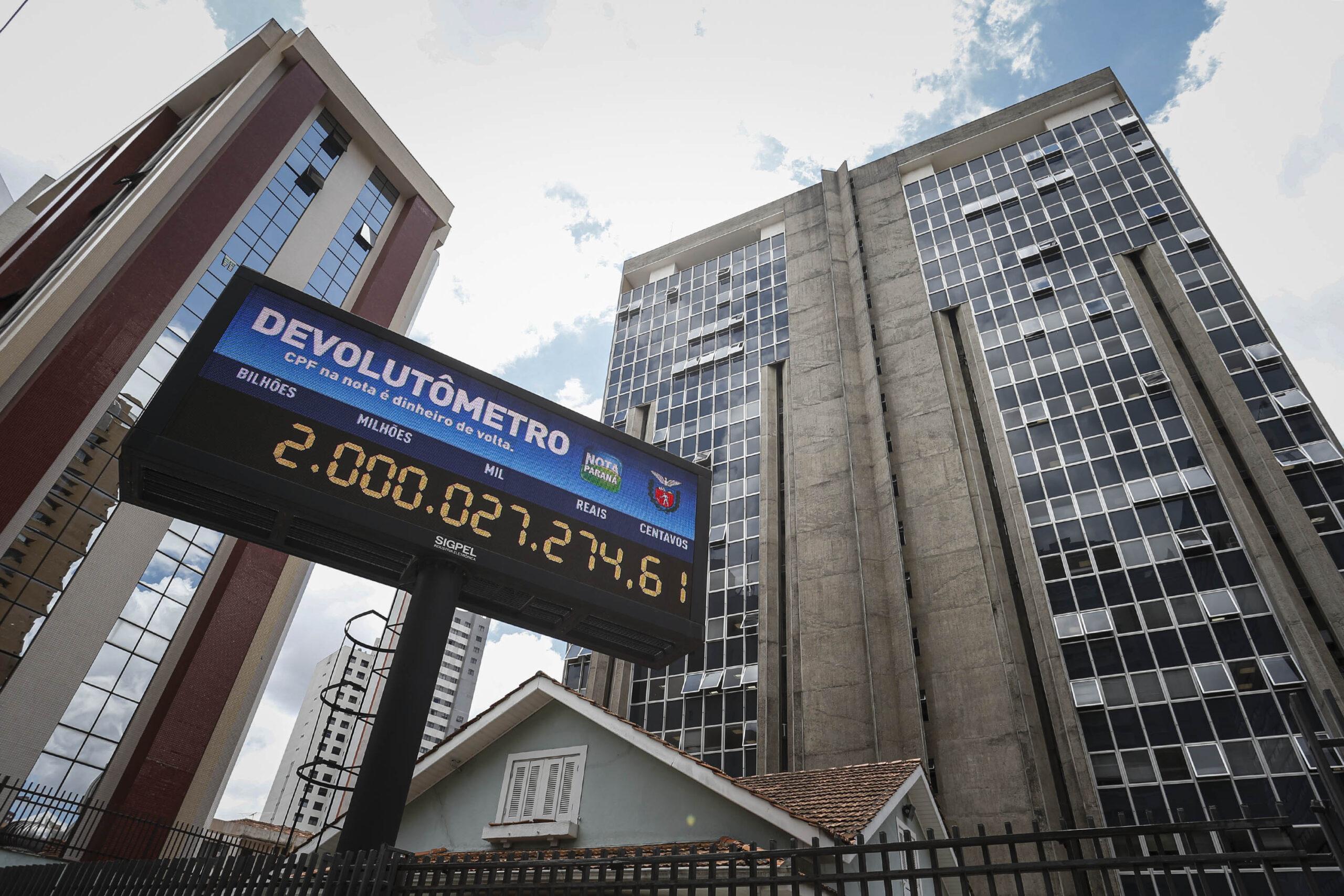 Nota Paraná chega à marca de R$ 2 bilhões devolvidos para cidadãos e instituições