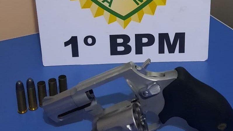 Motorista é preso por trafegar com arma de fogo em Piraí do Sul