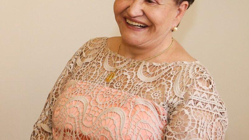 Castro despede-se de Eny Beck, empresária morre aos 82 anos