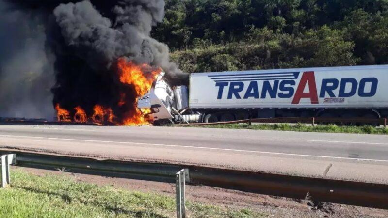 Motorista de Ponta Grossa sofre acidente em MG