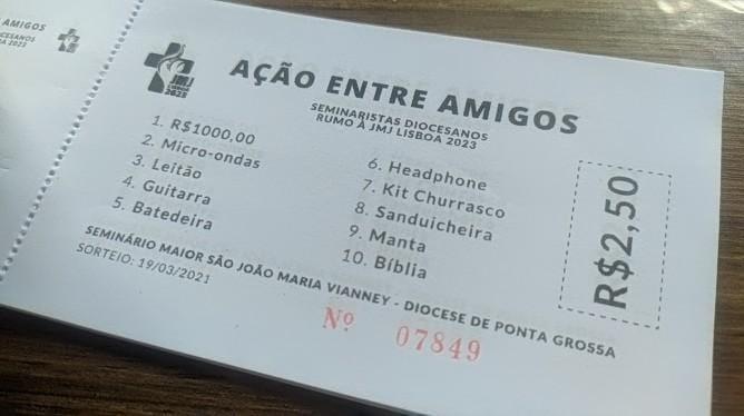 Seminaristas de Ponta Grossa fazem 'ação entre amigos' para participar da Jornada da Juventude
