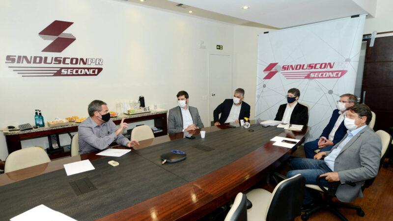 Paraná alinha parceria com construtoras para obras de casas populares