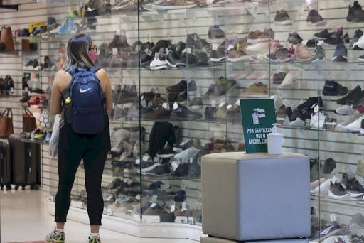 Vendas do comércio físico caíram 12% em relação a 2019