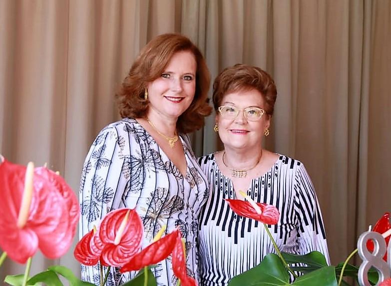 Lucia Arnt Ramos e Regina Gasparetto Arnt