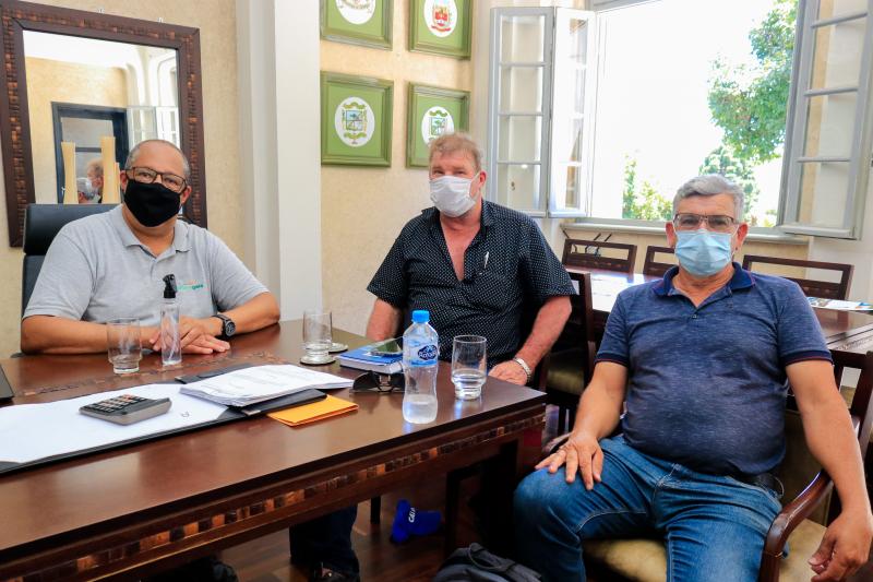 Governo municipal e Klabin fazem reunião para discutir parcerias em projetos sociais e de meio ambiente