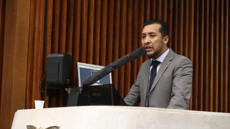 Deputado pede abertura de CPI para apurar suspensão do concurso da Polícia Civil do Paraná