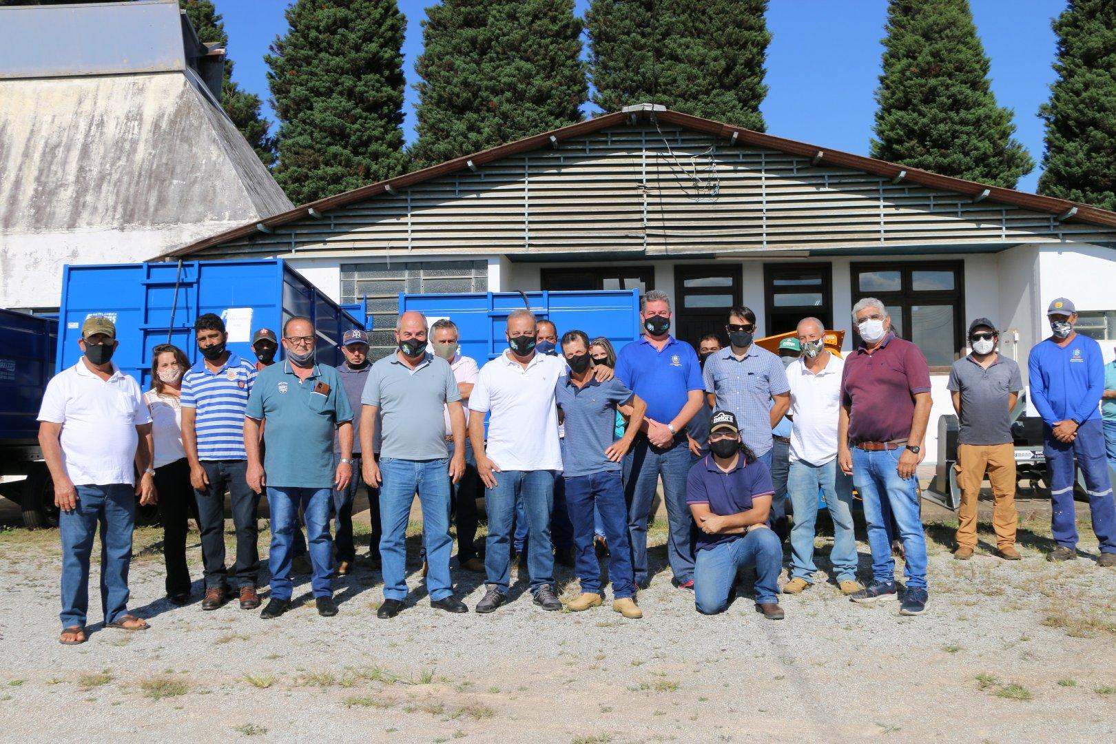 Associações de Pequenos Produtores recebem maquinários
