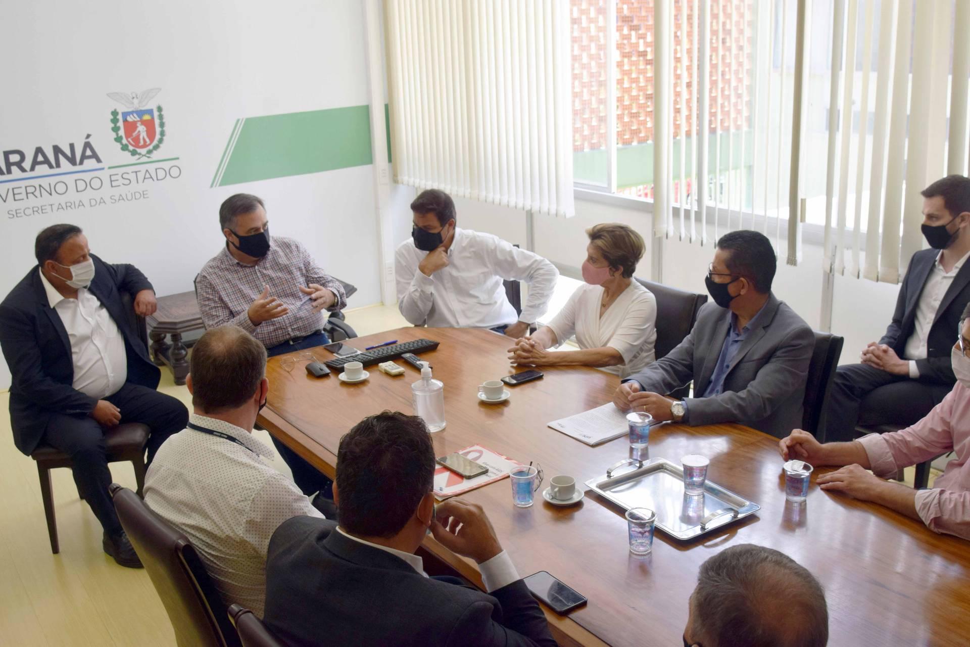 Estado e prefeitura discutem expansão dos serviços de saúde em Ponta Grossa