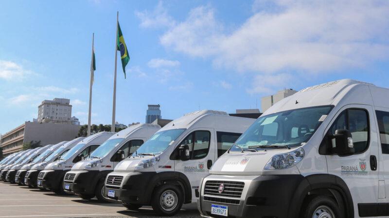 Governo do Paraná entrega vans para agilizar o transporte de pacientes em 45 municípios; Castro é contemplada
