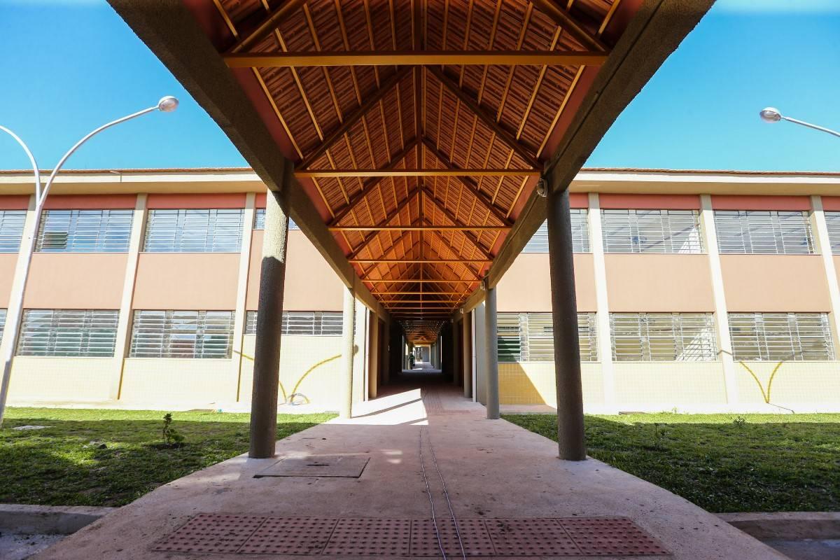 Parceria da Cohapar agiliza conclusão de obras em escolas de todo o Estado