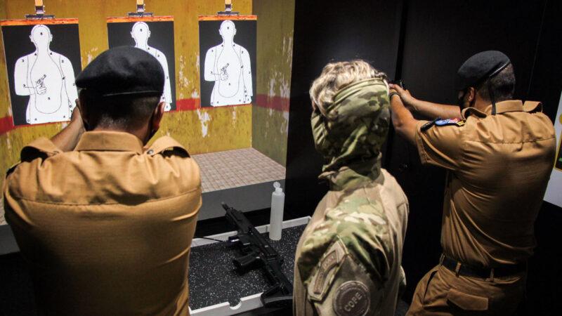 PM utiliza caminhão simulador para instrução de tiro