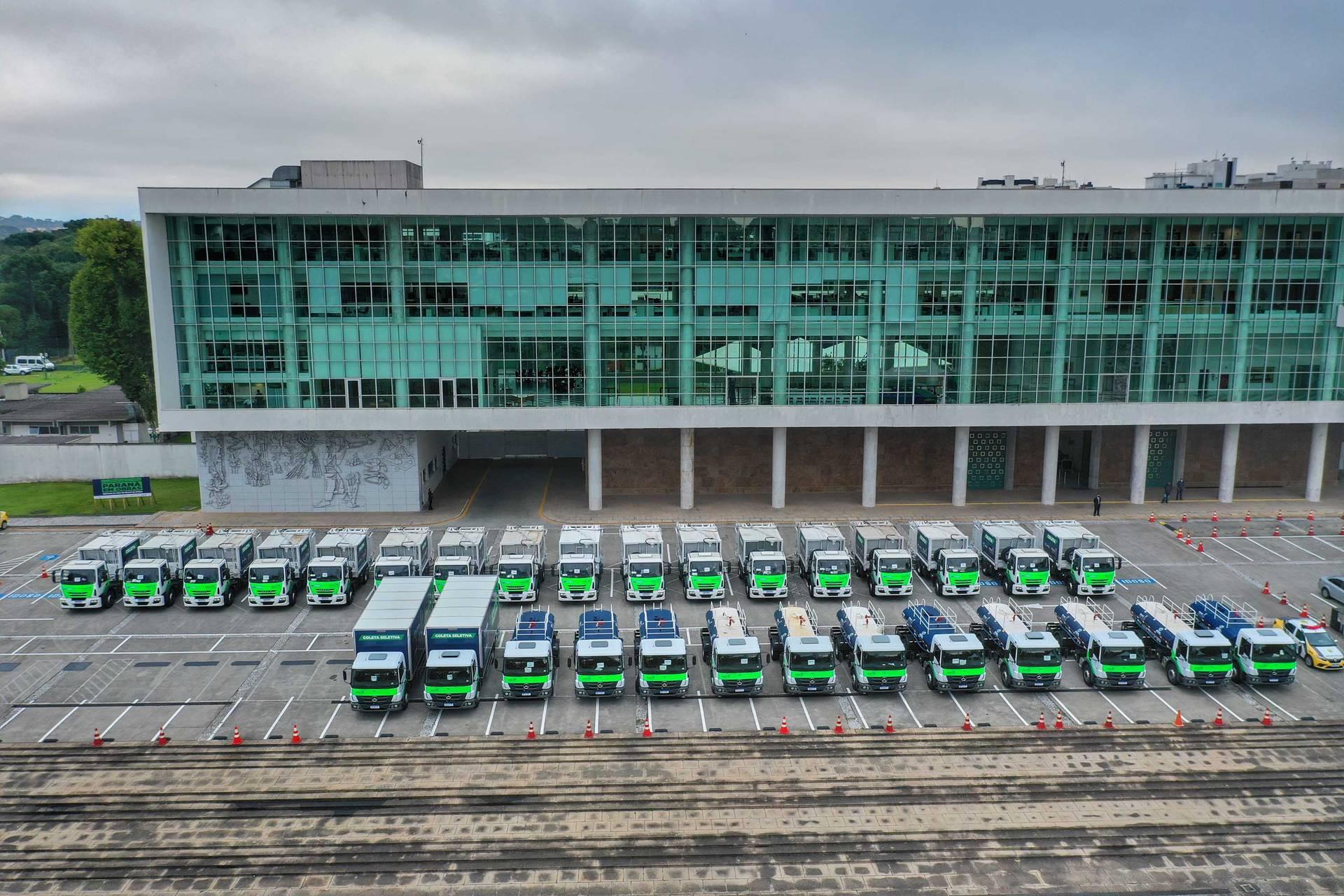 Paraná entrega 30 veículos para ajudar em ações de sustentabilidade