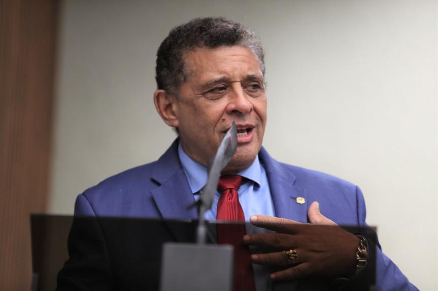 Caos no Trevo do Atuba em Curitiba é criticado por deputado