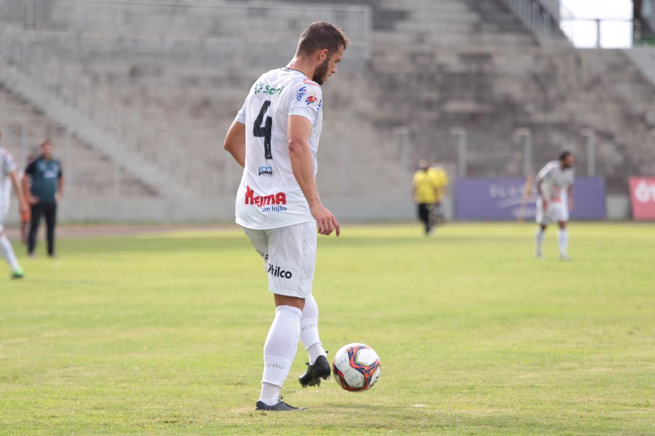Operário enfrenta o Rio Branco pelo Campeonato Paranaense