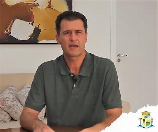 Prefeito de Palmeira se compromete a consultar a população sobre novas obras