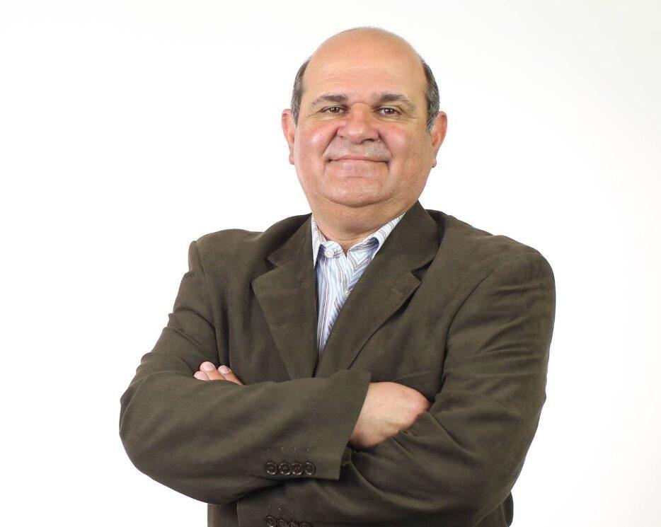 Publicitário Fernando Durante segue entubado, com  quadro de Covid estável