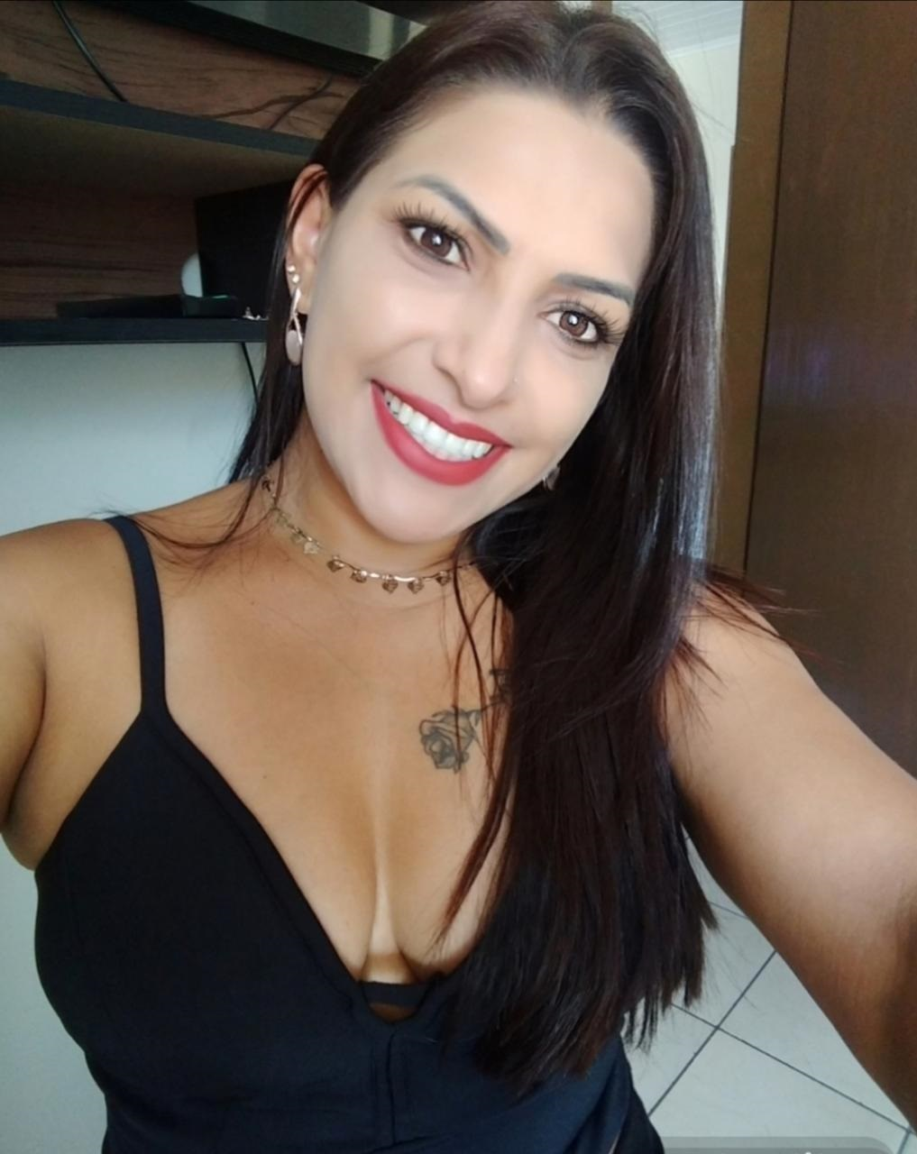 Viviane Lara Morais