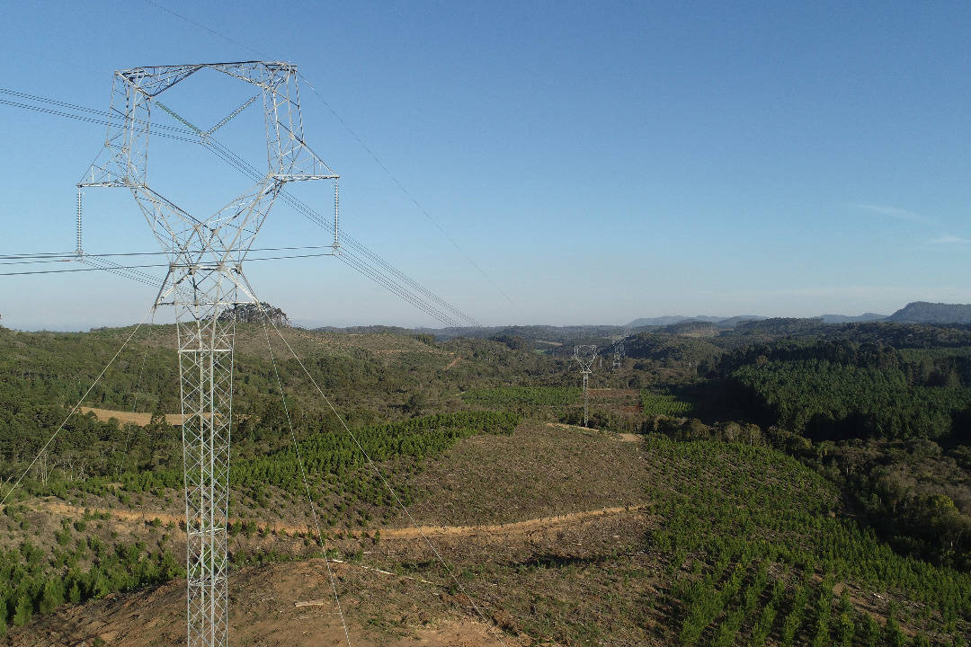 Copel conclui nova linha de energia que conecta Paraná e Santa Catarina