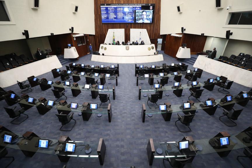 Há um ano a Assembleia Legislativa do Paraná realizava a primeira sessão plenária de forma remota