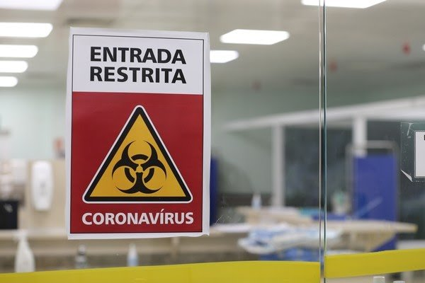 Paraná confirma mais 4.490 novos casos e 433 óbitos pela Covid-19