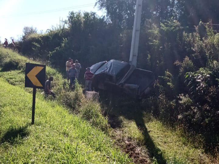 Motorista fica ferido em capotamento na PR-340