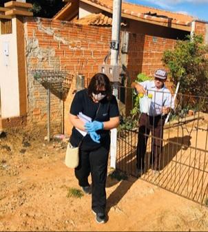 Moradores de Palmeira e Porto Amazonas recebem kit prevenção à Covid em casa