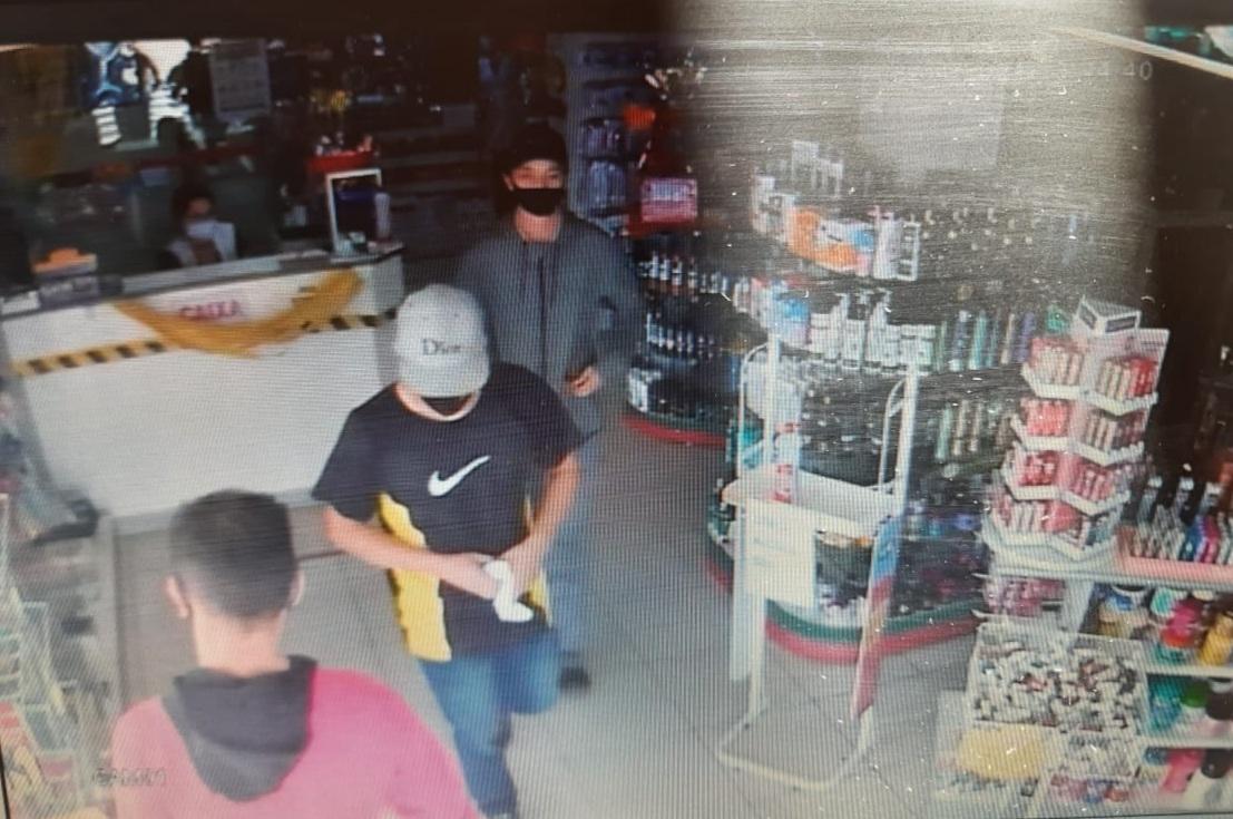 Dupla assalta farmácia e mercado em duas cidades e um acaba preso em Castro