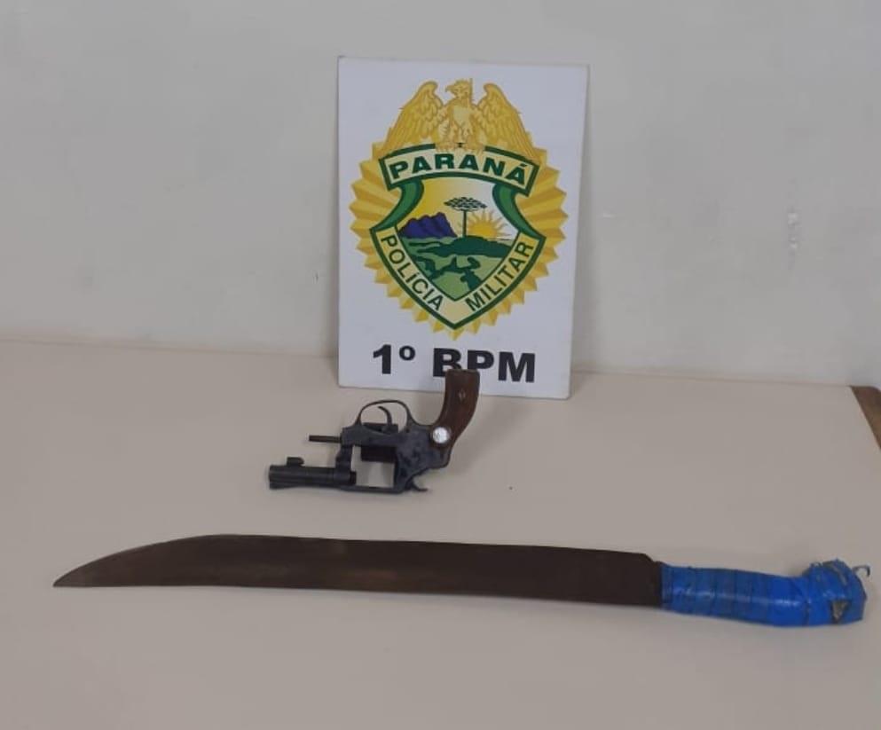 Motorista embriagado é preso com arma de fogo