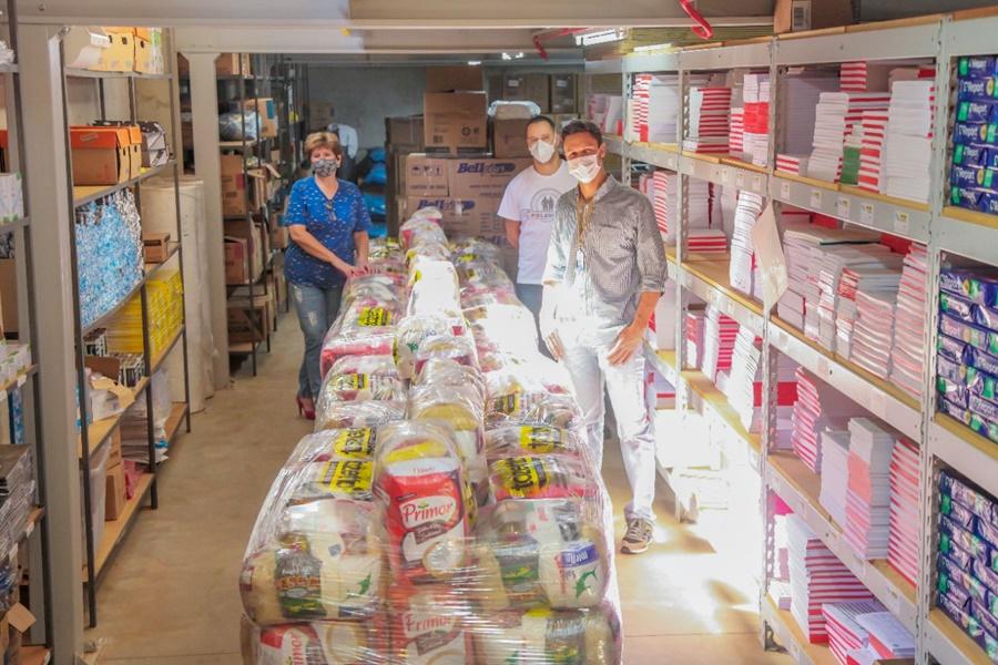 Operário e CCR RodoNorte entregam cestas básicas para Hospital Universitário e instituições sociais
