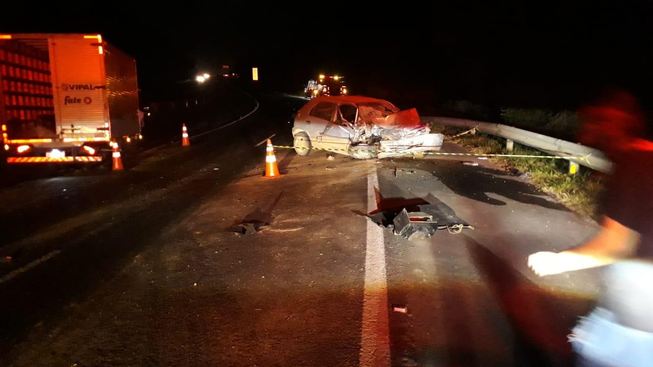 Carro na contramão pode ter provocado a morte de duas pessoas na PR-151