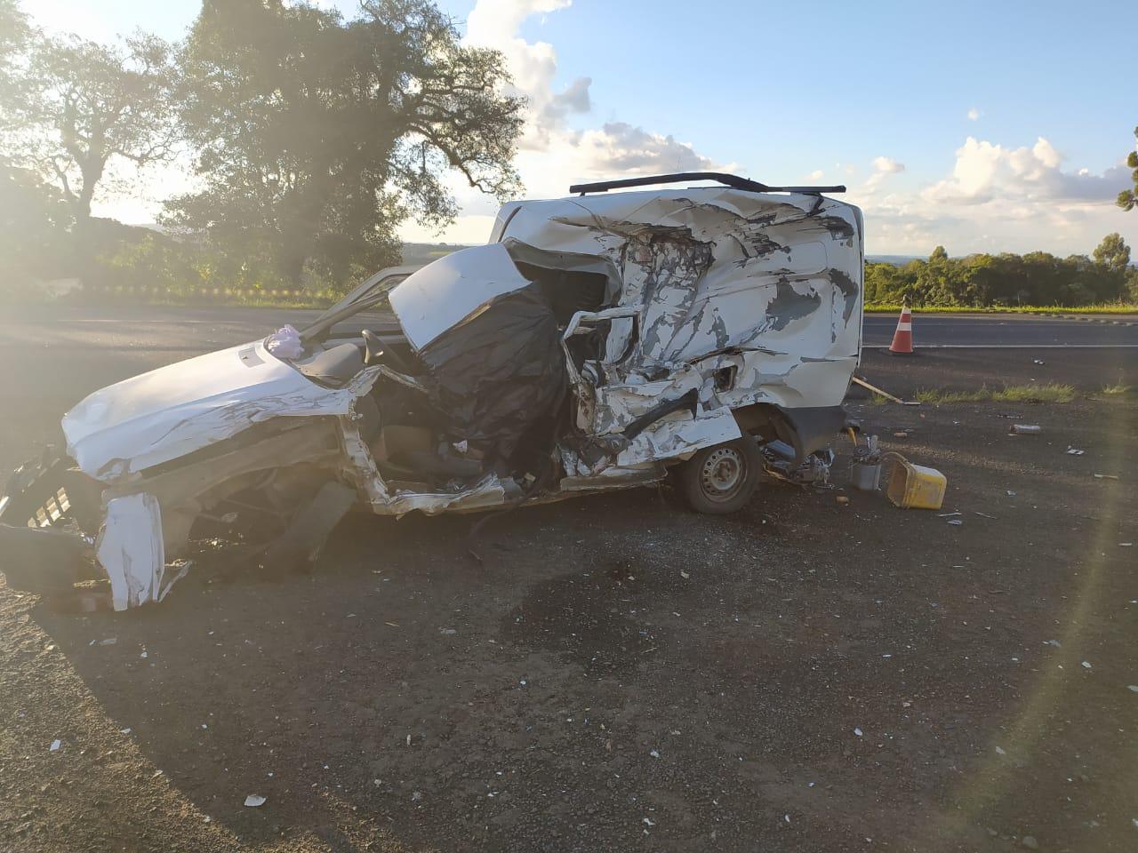 Motorista de Fiat morre em colisão frontal na região