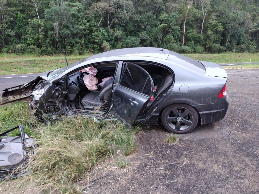 Três pessoas ficam feridas em acidente na BR-277