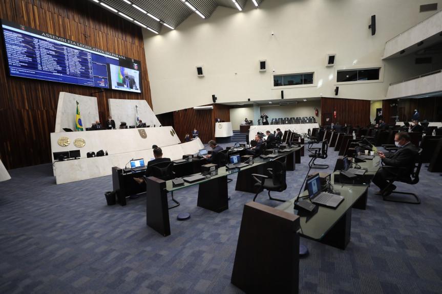 Deputados aprovam auxílio emergencial para microempresas e microempreendedores individuais