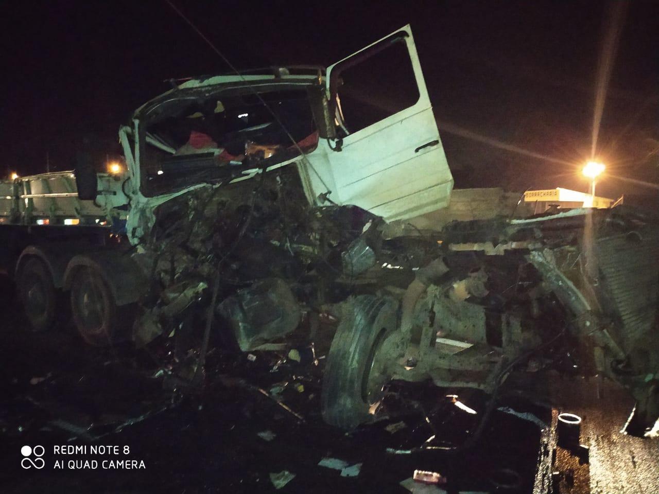 Motorista fica ferido em colisão na BR-376