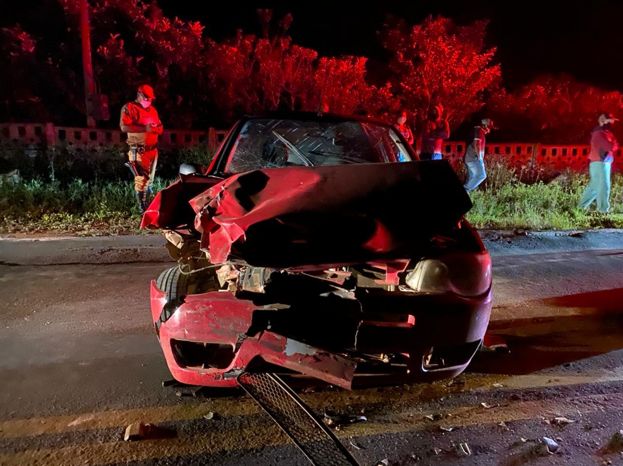 Motorista fica ferido em colisão com caminhão na PR-151