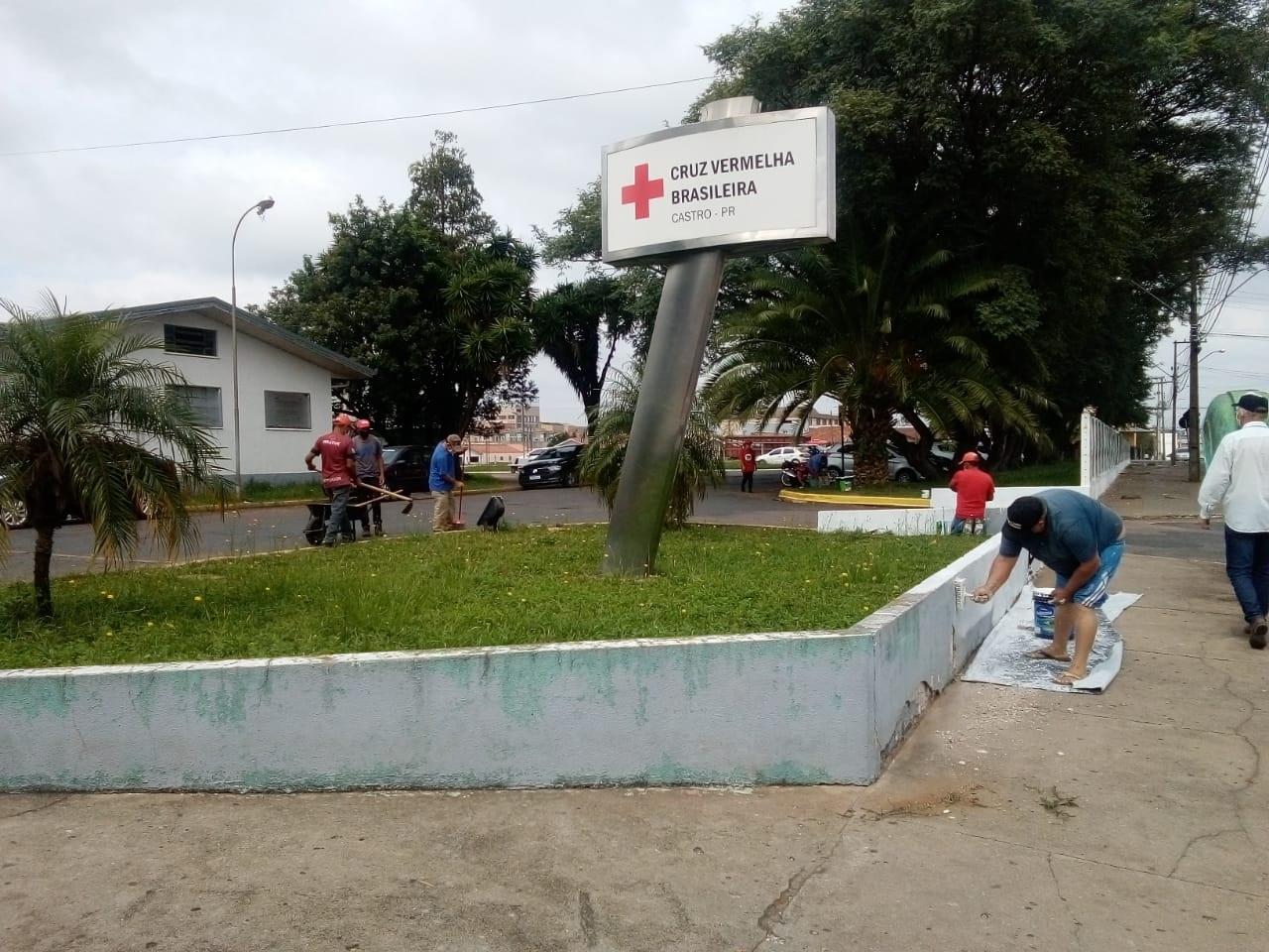 MST faz ato simbólico de embelezamento no Hospital Cruz Vermelha