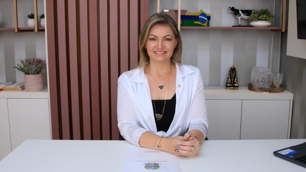 Semana de vitórias e recursos destinados para os municípios do Paraná por meio da deputada Aline Sleutjes