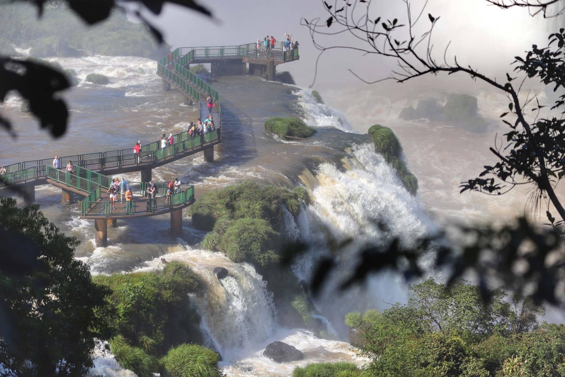 Paraná Turismo lança pesquisa anual sobre cenário do setor no Estado