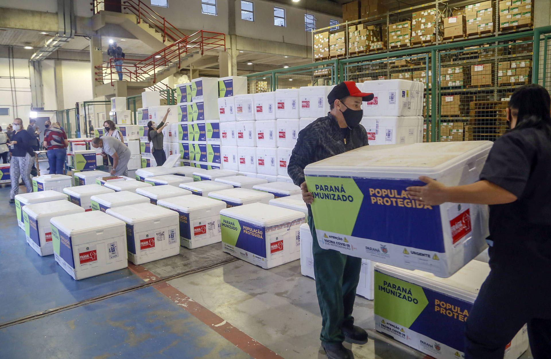 Paraná receberá mais 309,2 mil doses de vacinas contra Covid-19