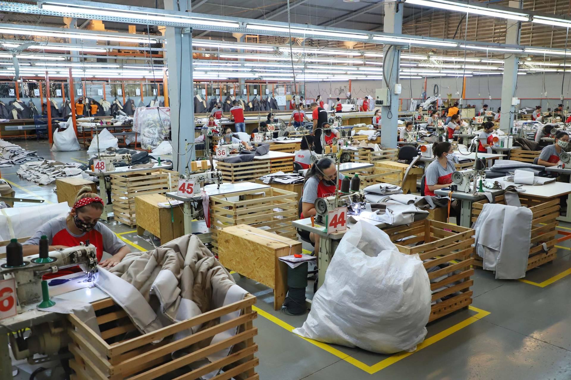 Com quase 80 mil vagas, Paraná fecha trimestre entre os que mais empregam no País