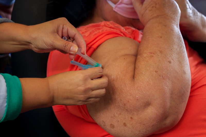 Hoje e amanhã! Tibagi vacina pessoas com comorbidades contra a Covid-19