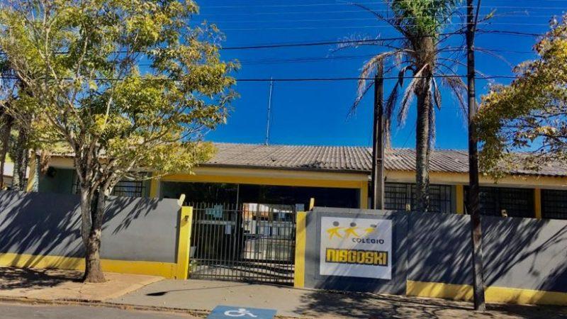 Oito colégios estaduais de Castro receberam alunos na segunda-feira
